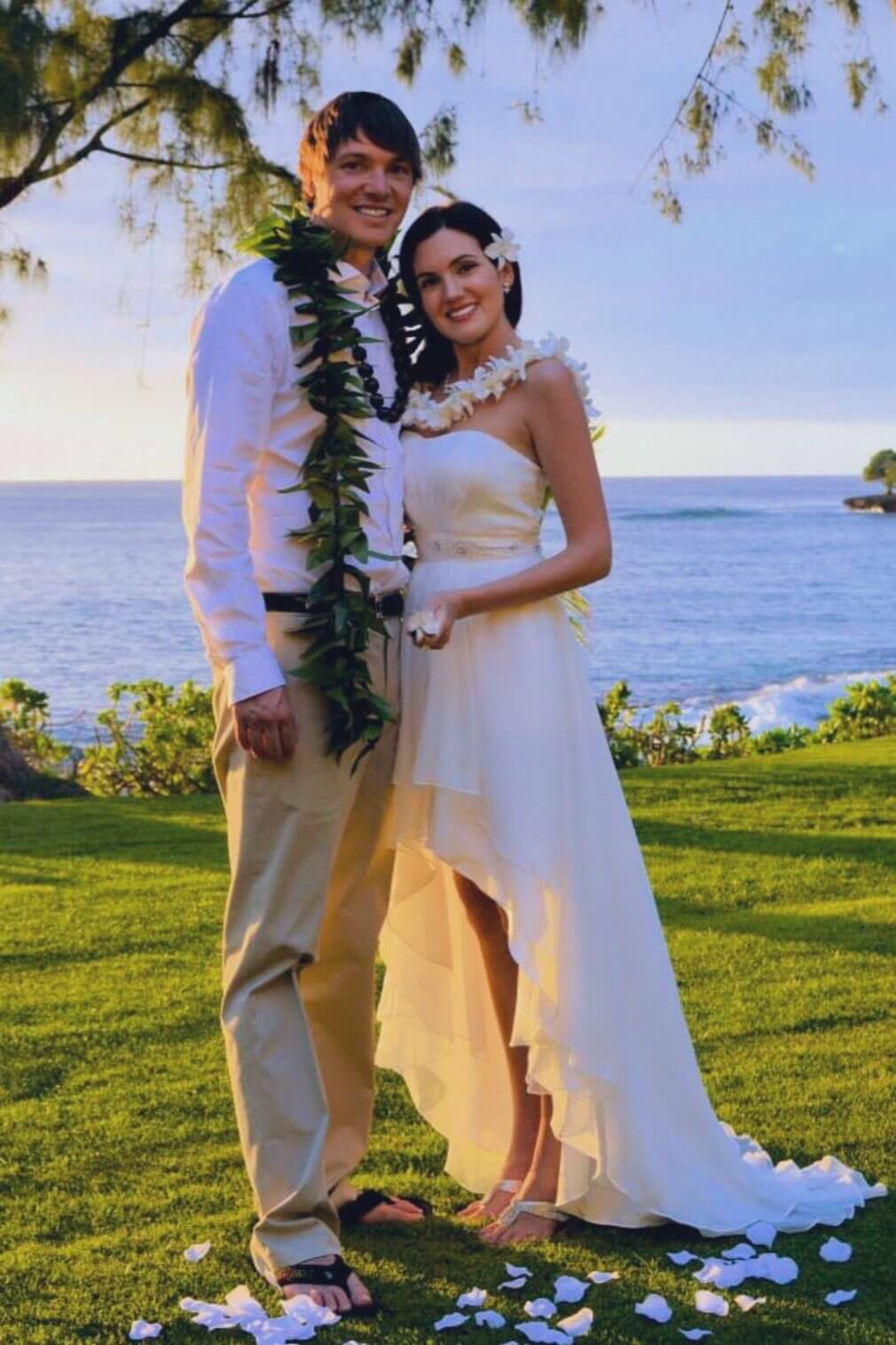 Garret and Nathalie on their 10 year wedding anniversary in Hawaii
